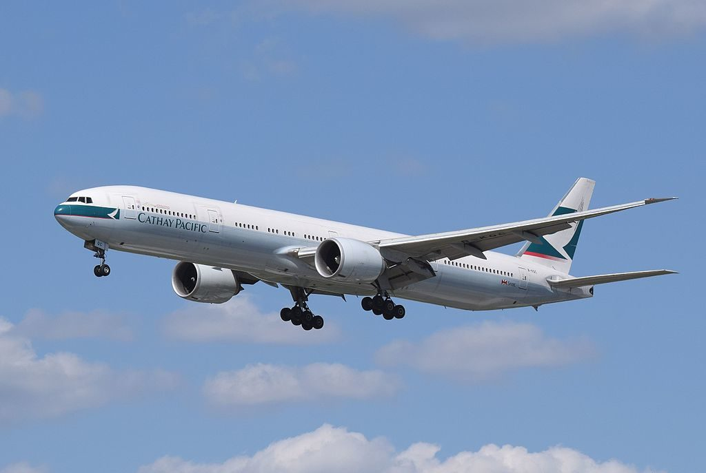 cathay_pacific_773