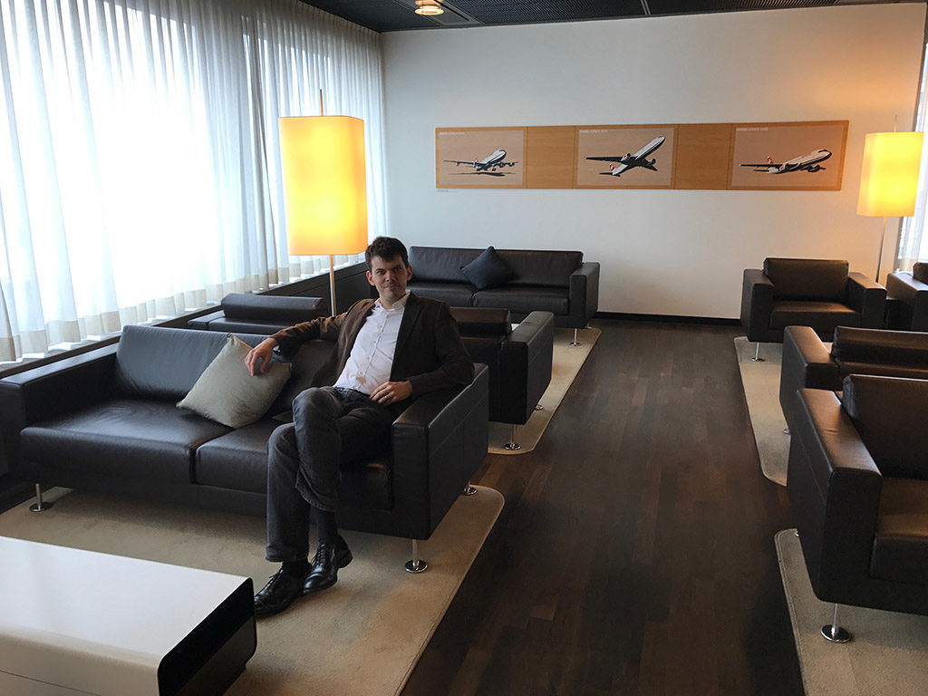 Tired of waiting at airports? Enjoy access to 10 business lounges for USD 150
